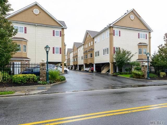 A Luxury Townhouse Community One Bedroom With Top Of The Line Kitchen With Granite Counter Tops, Bedroom Suite On Second Floor With A Bath, Large Closets, 3rd Floor Is A Loft With Laundry, Room For One Office Or A Gym......