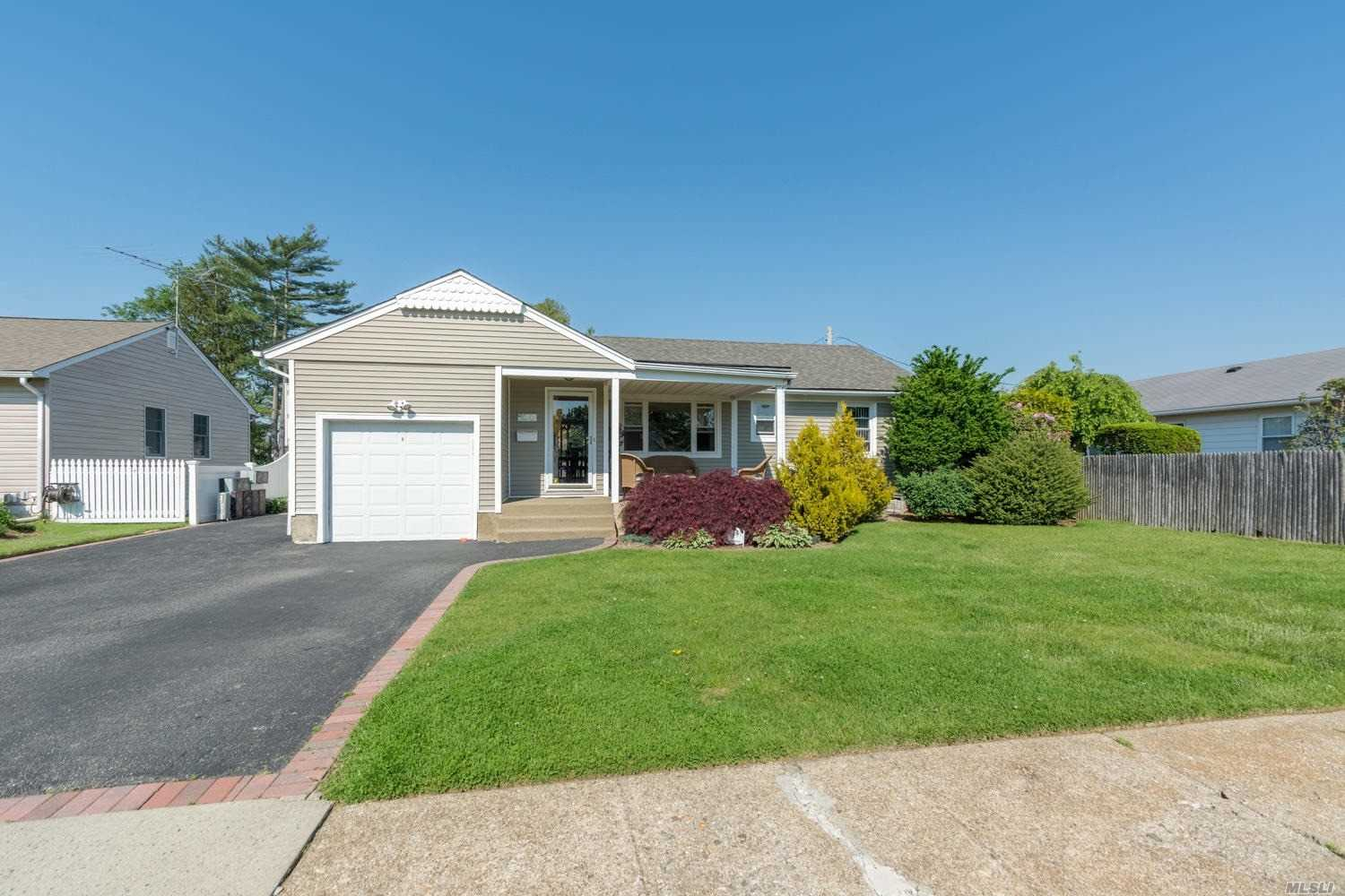 Charming Ranch In Desirable Plainedge School District. 3 Bedrooms, One Bath, Full Finished Basement With Ose. Quiet Block, Private Yard, Don't Miss Out On This Amazing Opportunity!
