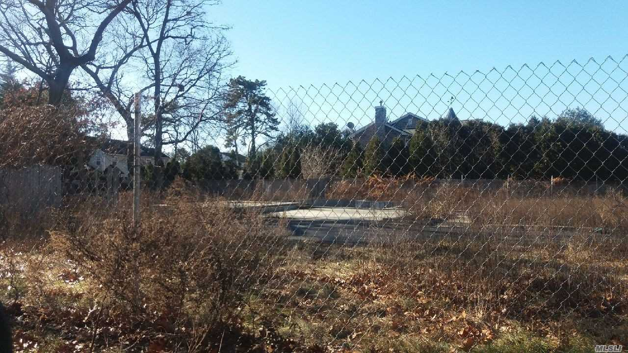 This .4 Acre Lot Once Had A House On It,  Nice Cul-De-Sac.