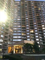 Luxury High Rise Living , 24 Hour Security Doorman, Beautiful Bridge View .Close To Shopping , Restaurant And Mass Transit.