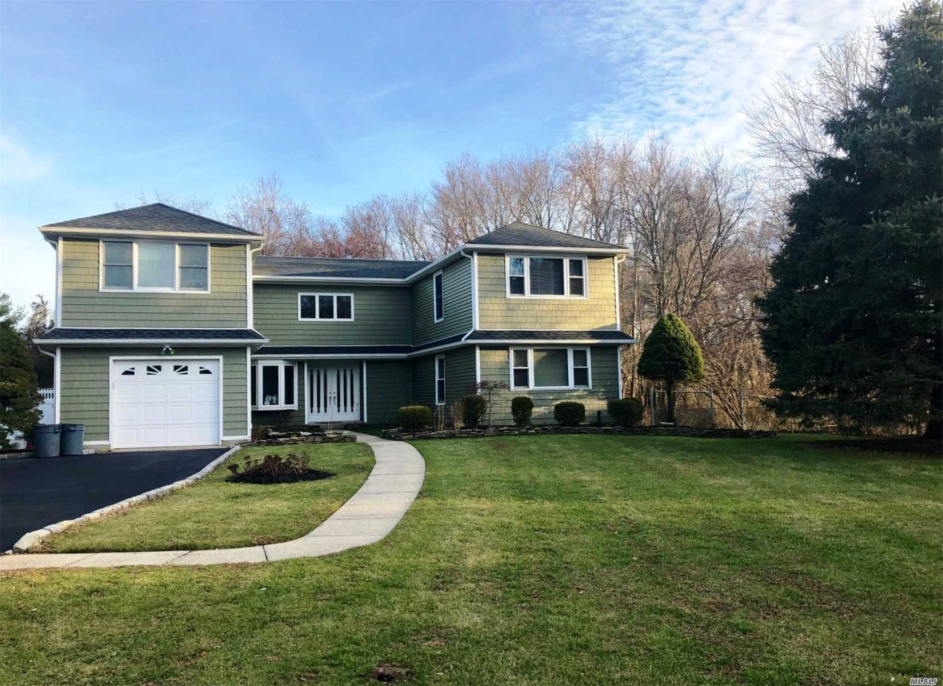 Custom Mint ++ Colonial: Open Floor Plan, Gourmet Kitchen W/ Granite And Stainless Appliances, Great Room, Spacious 5 Bedrooms, 3 Full Baths, Plenty Of Storage Closets, Cul-De-Sac. Private Yard Backing The Greenbelt. Smithtown West School.