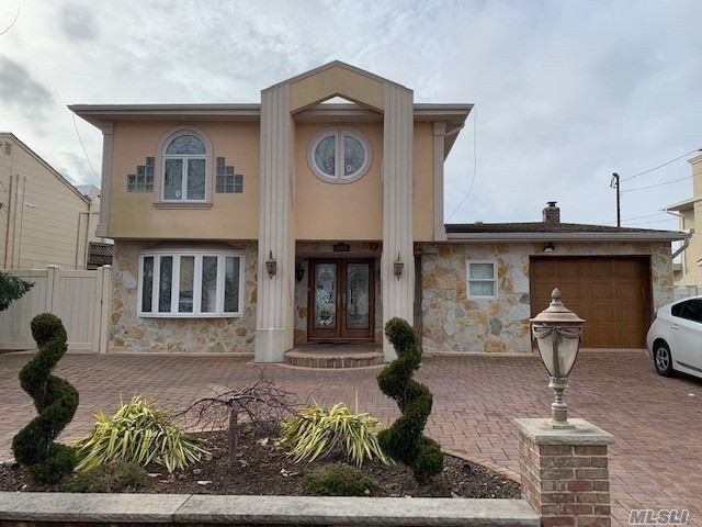 Beautiful Waterfront Home In Baldwin, 4 Bedrooms And 2 1/2 Baths