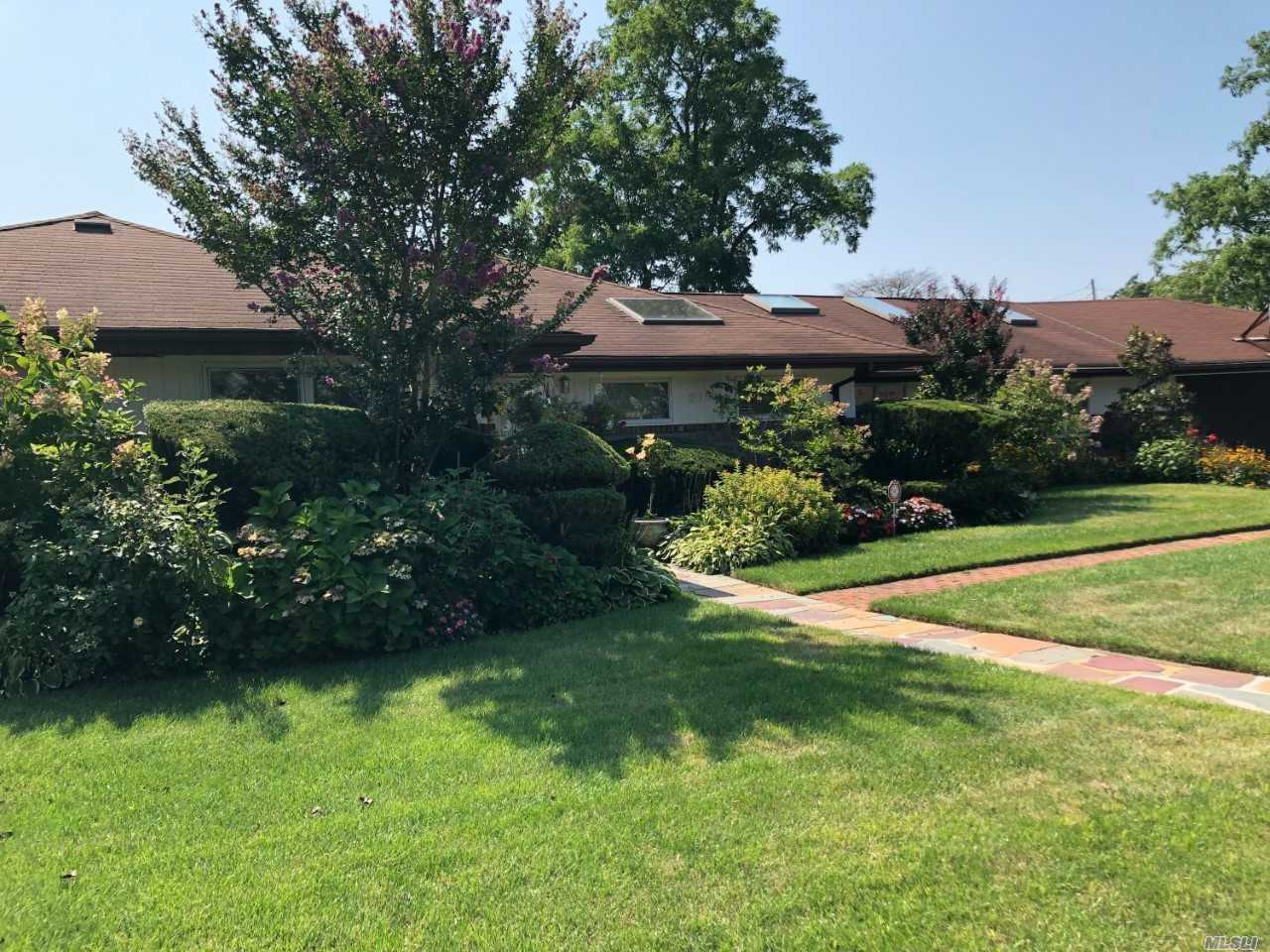 This Is Everything You Have Been Looking For! This Mint, Custom Sprawling Ranch On Large Property, Has It All! Location, Location, Location . On Protected Canal Adjacent To Beautiful Pond And Very Close To School, Stores And Transportation. It Is An Entertainer's Delight Inside As Well As On The Beautiful Country-Like Grounds. Motivated Seller.