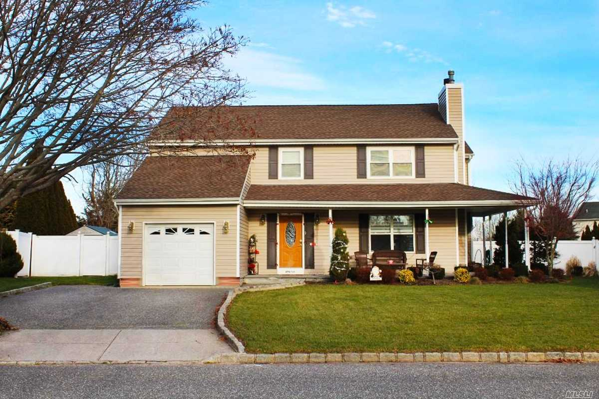 Mint+ 4 Bed, 3.5 Ba Colonial In The Desirable Sagamore Farms.Ever Dream Of A Renovated Kitchen With An Island Thet Has Seating For 12-14? Well Here You Go! Bluestone Porch Welcomes You To A Open Foyer, Renovated Kitchen, Granite + S/S Appl. Lr W/Fireplace.Formal Dr.Huge Sunlit Sunroom Overlooks Newer Ig Salt Water Pool. Full Finished Basement W/Full Bath, Sep Zone Heat, Bonus- Separate Enterance! 200 Amp Electric, Newer Hot Water Heater.Roof & Siding 6 Yrs Programable Thermostat, Alarm And More!