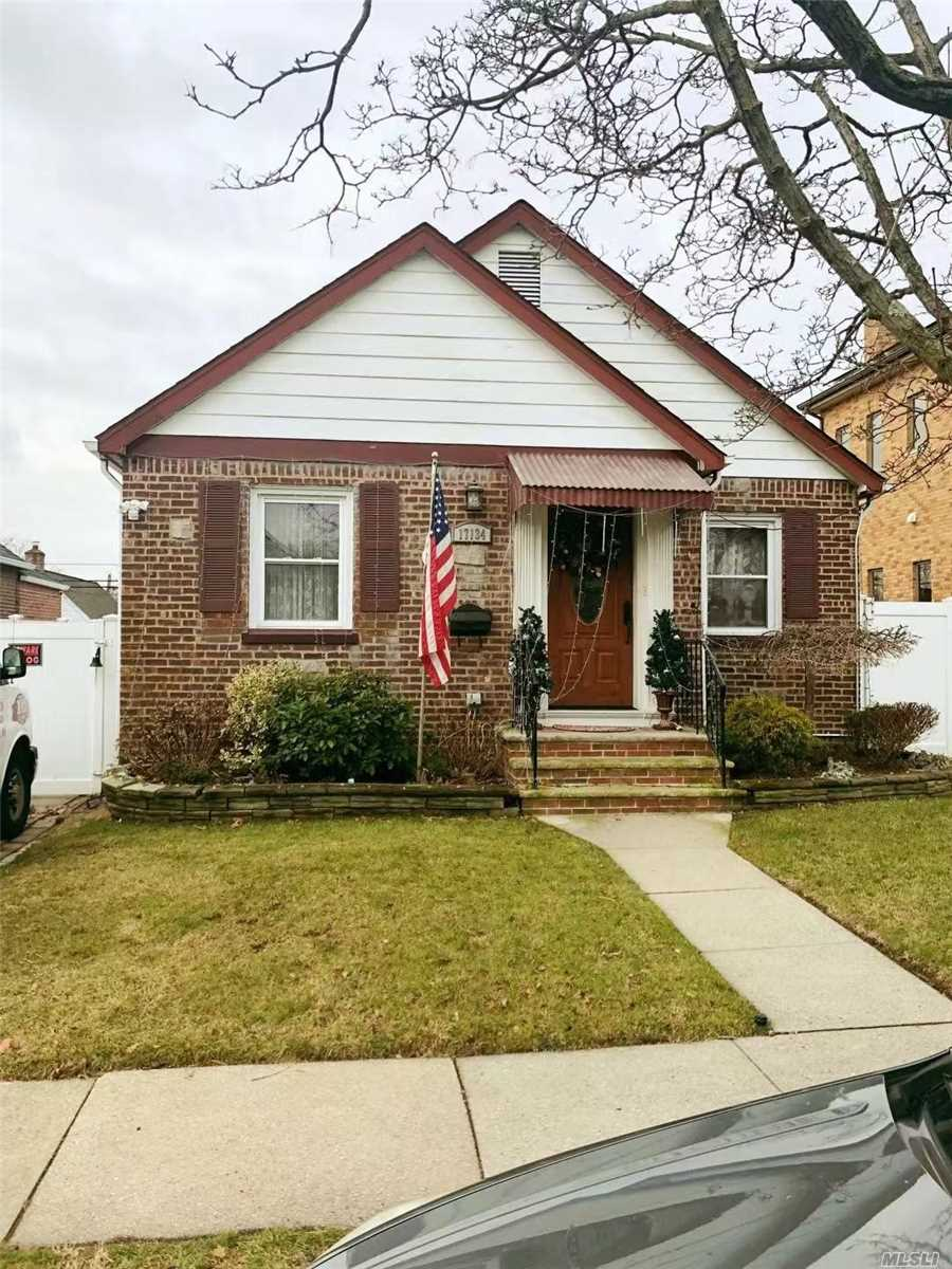Charming Detached 2 Br Cape On Quit Trealired Street. New Renovation In 6 Year Ago. Move In Condition. Convenient To All. Q27, Q65 To Flushing Main St. P.S.107 J.H.S216. Francis Lewis H.S.