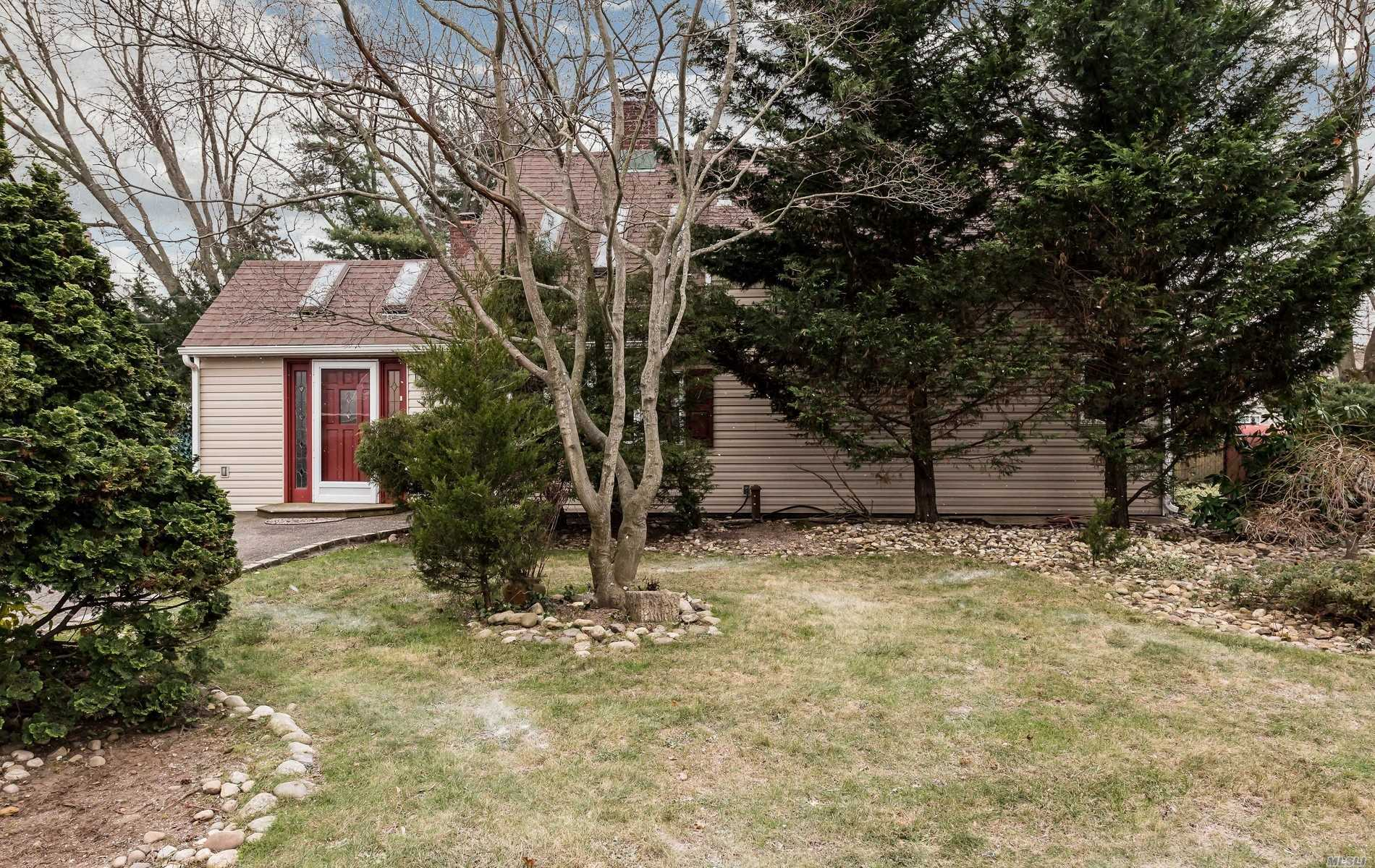Absolutely Magnificent Expanded Ranch Sitting On A Huge Property With Many Updates. Large Entry W/Cathedral Ceiling And Skylights To An Inviting Fdr/Fpl, Beautiful Lr/Fpl, Eik With Cath Ceiling And Skylights, Fbth, 2 Brs. Second Floor Has Landing Area Looking Over The Kitchen, Large Br, Br, Fbth. Huge Backyard! Must See!!!!!