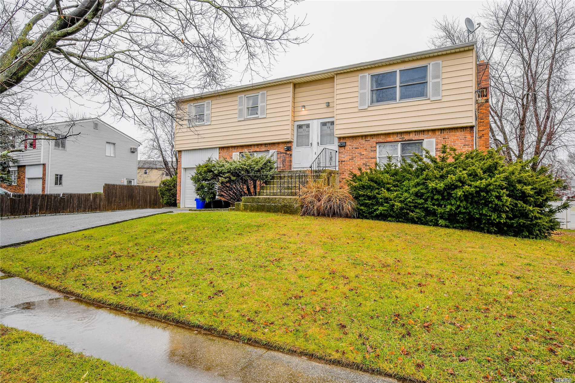 Great Rent Rolls! Magnificent Legal 2 Non Owner Occupied, 2 Separate Electric Meters. Great Rent Roll. Full Finished & Updated Basement With Ose. Majority Of The House Has Been Renovated. Wide Driveway & Plenty Of Onsite Parking. Great Investment Opportunity/Income. 11 Mins Walk To Train Station. Mins. To Downtown Farmingdale. Move In Condition. This Will Not Last Long.