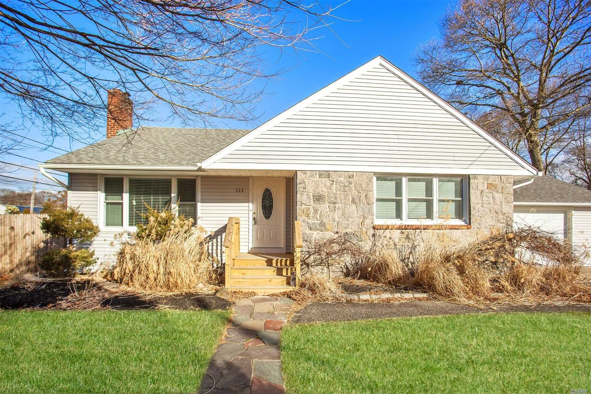 Move Right In To Lovely Renovated Ranch Home Set On A Generous Lot! Ss Appliances, Wood Floors, Pull Down Attic, Full Basement & A 1.5 Car Garage For Ample Storage! Enjoy Lovely Lake Ronkonkoma Just Down The Street. So Much Country-Like Living To Experience In Suffolk County So Don''t Let This One Get Away!