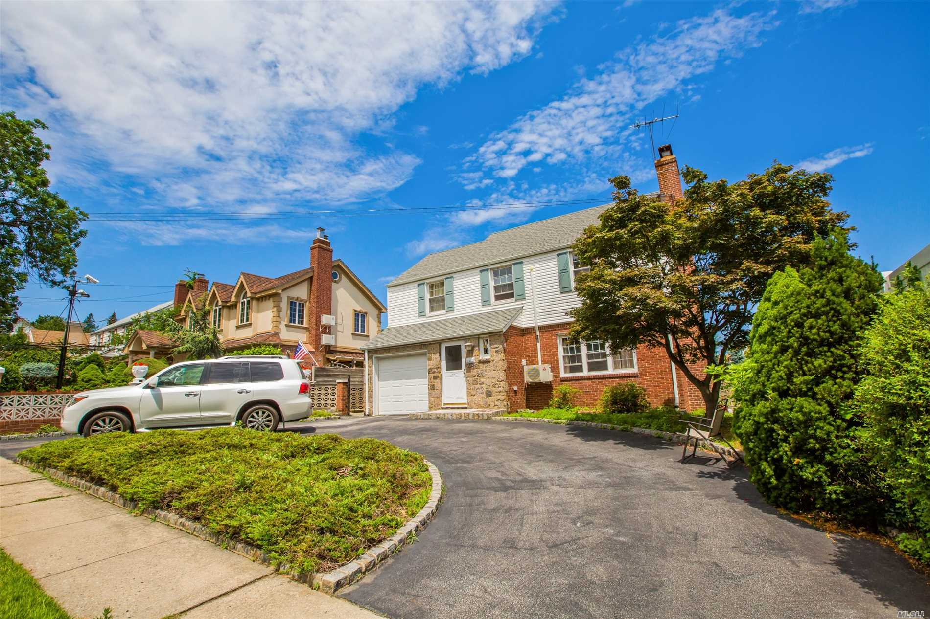Beautiful 3 Beds - 4 Beds House For Rent. Dishwasher And Laundry Room. Excellent Neighborhood And Amazing Water View. Great Location Close To Cross Island Parkway, Clearview Expressway, Golf Course And Fort Totten Park.