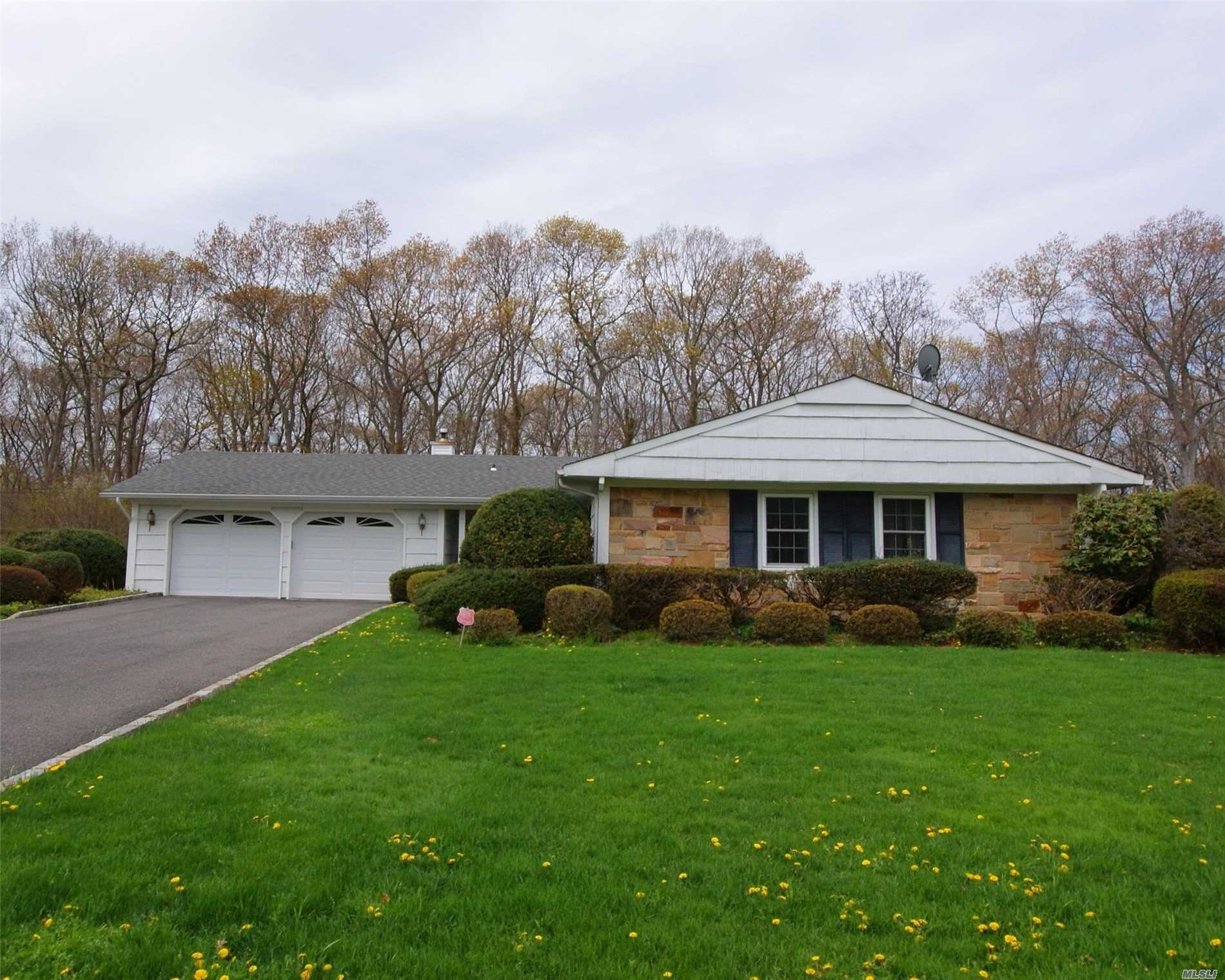 Buckingham Ranch In Desirable H Section Of Stony Brook. Close To Houses Of Worship, Shopping, N Shore Beaches/Parks, Playground + So Much More!! Freshly Painted, Very Well Maintained, Clean And Ready To Move In!! Private Paver Patio In Rear With Level Yard, Cac, Fireplace With 2 Car Garage And Large Driveway!!