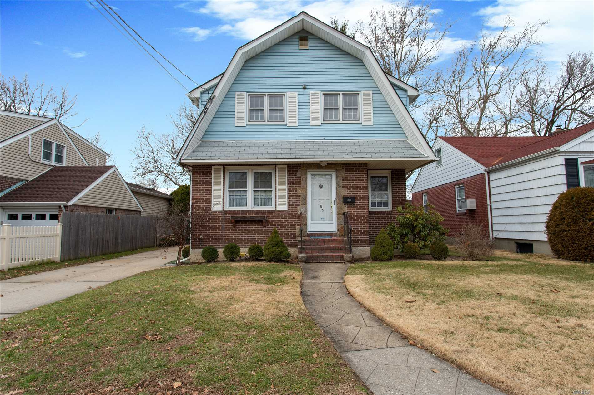 Must See This One Of A Kind Expanded Cape. Perfect For Large Family. Room For Mom. Located In The Sought After School District #17 (Franklin Square)  H. Frank Carey High School And John Street Elementary School. Convenient To Schools, Parks, Shopping And Transportation.