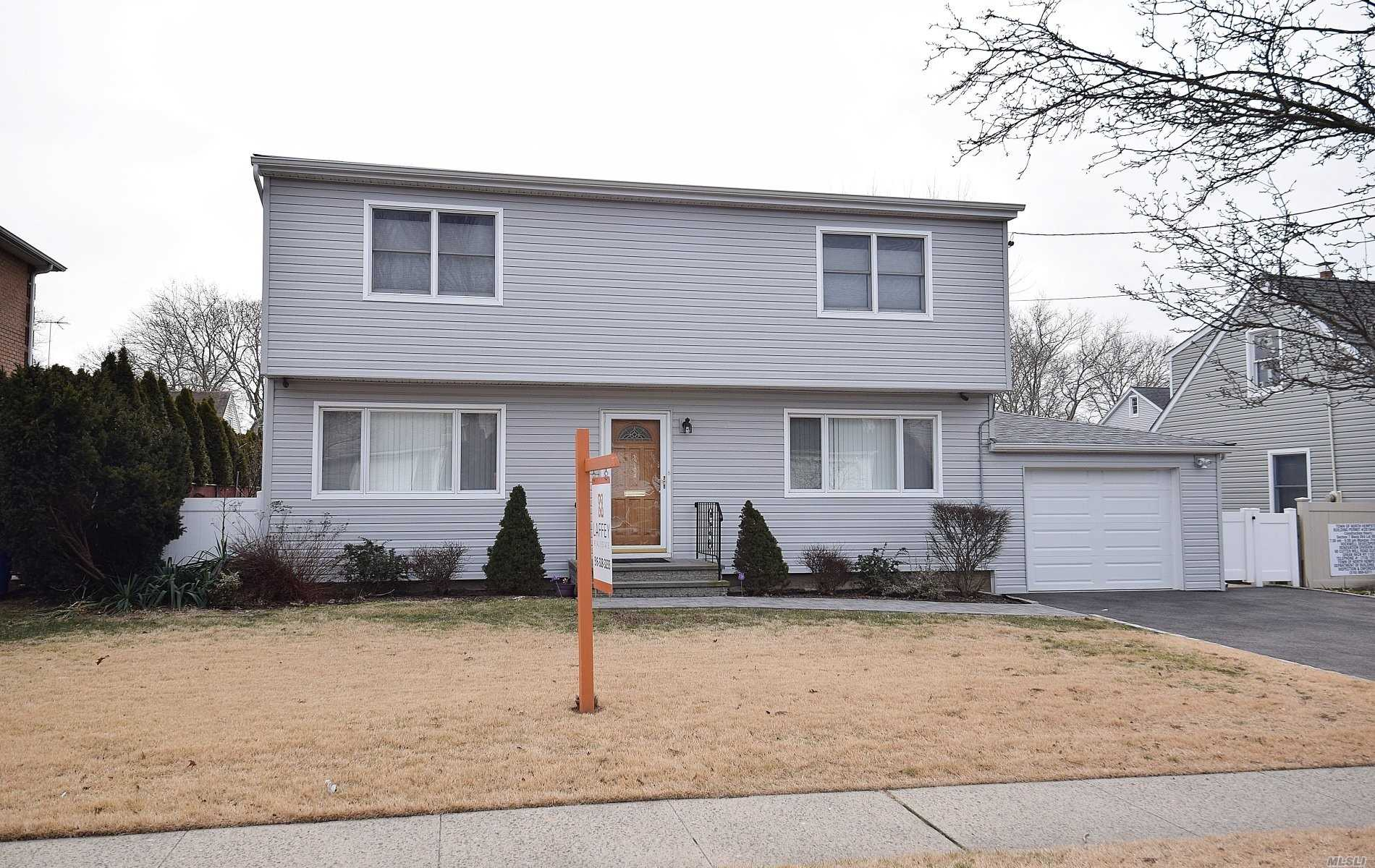 Newly Renovated Spacious Colonial 4 Bedroom, 2 Full Baths. Finished Basement, Cac, Herricks School/Searingtown Elementary. Near School And Easy Access To Highway & Lirr.