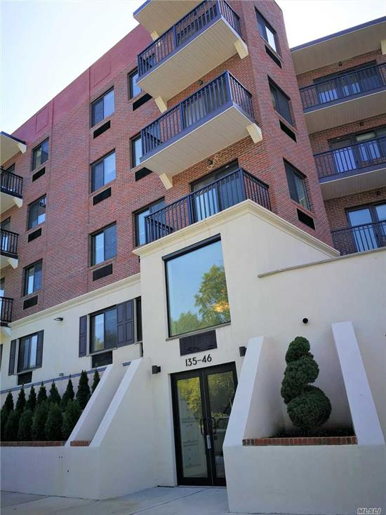 Brand New Condo Elevator Building In Briarwood. Abundance Natural Light With Balcony And Large Sound Insulating Windows. 15 Year Tax Abatement , Low Tax And Low Common Charge, Stainless Steel Appliances, Granite Countertop, Washer And Dryer In Unit. Separate Boiler And Meter For Each Unit.