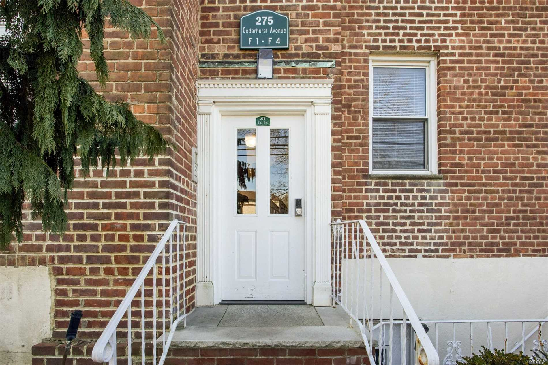 Premier Coop Of The Five Towns! Totally Renovated First Floor Apartment. Large Entry Hall With Room For Breakfast Table. Kitchen W/ Cherrywood Cabinets, Granite Countertops & Backsplash. Ss Appliances, Tiled Floor, Huge Lr/Dr W/ Architectual Moldings, Mstr Br W/ Door Leading To Terrace, Large 2nd Br, Granite Bathroomw/ Framelss Shower Door. Recessed Lighting Throughout, Centrally Located Near Lirr, Shopping & Houses Of Worship.