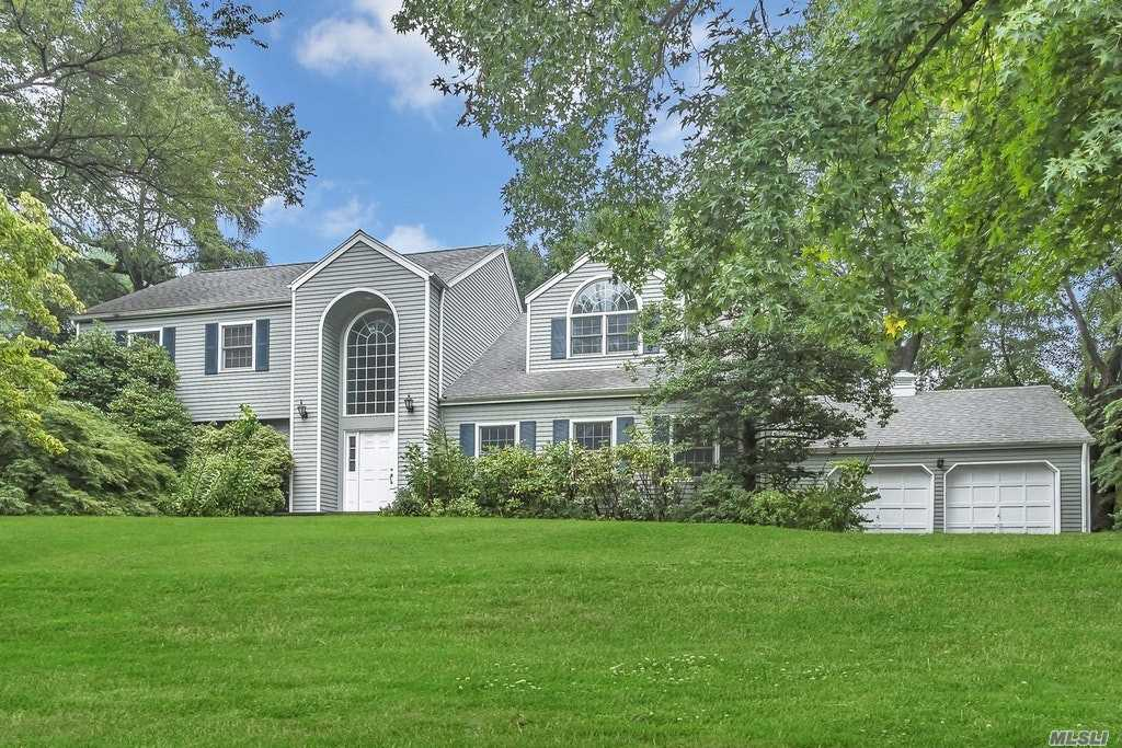 Beautiful 5 Br, Updated Colonial Set On 1/2 Acre Manicured Property W/Heated Gunite Pool, Country Club Setting Overlooking A Large Patio. Grand 2 Story Center Hall Entry, Banquet Sized Fdr, Flr W/Fpl, Granite Center Island Eik, Laundry Rm, Partial Basement W/Gym, Huge Library/Family Rm W/Woodburning Fpl, 2nd Floor Features 5 Brs, Updated Full Bath, Master Suite W/His & Her Closets And Master Bath. Luxury Living Can Be Yours