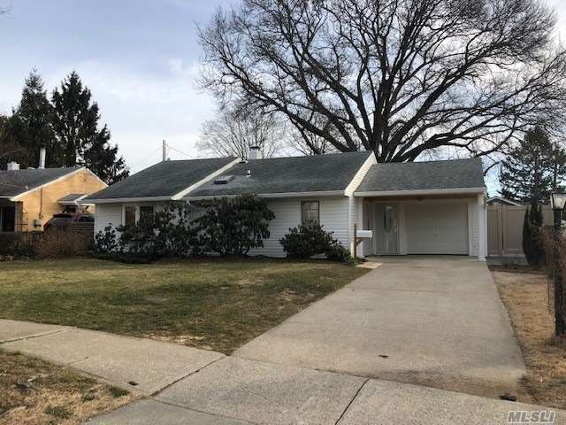 Fabulous Ranch With Cac, Totally Redone From Studs, Lrm/Da, Great Eik, Laundry Room, 3 Bedrooms, 1 Fbath, Oversized Closets. Beautiful Terrace And Gardens.
