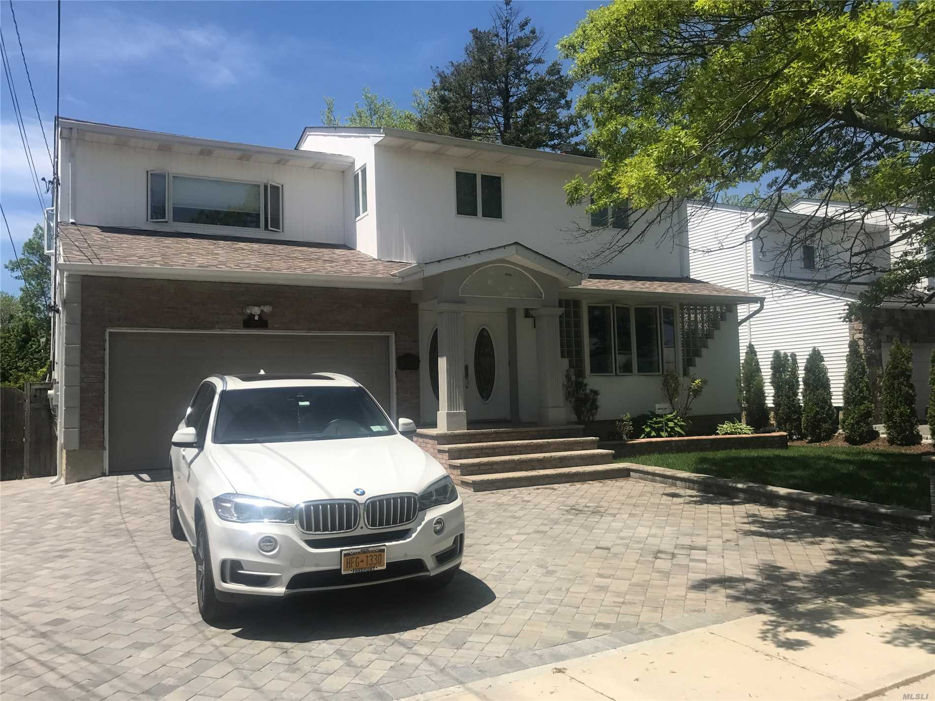 Spacious 4 Br. 2 1/2 Bath Colonial In Baldwin Harbor Granite Eik W Brand New Gourmet Thermador Appliances. Hardwood Floors, New Boiler And Hw Heater. Entertainer's Delight W Sw Ig Pool. Paver Patio And Deck. Master Suite, Igs, Cac. New Roof, No Flood Ins Required!!