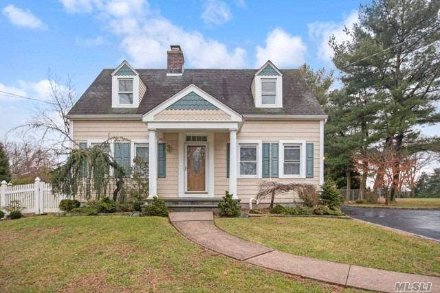 Mint Exp. Lg Custom Colonial Situated In Prime N F'dle. Adjacent To Bethpage State Park & Golf Course, Great Curb Appeal W/Newer Vinyl Sided Ext. Lr W/Brick Fpl, New Custom Eik, W/Cherry Cbnts, Granite, Glass Title & S/S Applncs, Rear Ext Famrm, Mbr W/2Wics & New Fbth, Fin Fam Rm Bsmt. All Windows Replaced, 150Amps, Alarm System, 2 Car Det Gar, Privately Fenced Backyard, Brick Paver Patio, Northside Elem School. Tax Grievance Filed.