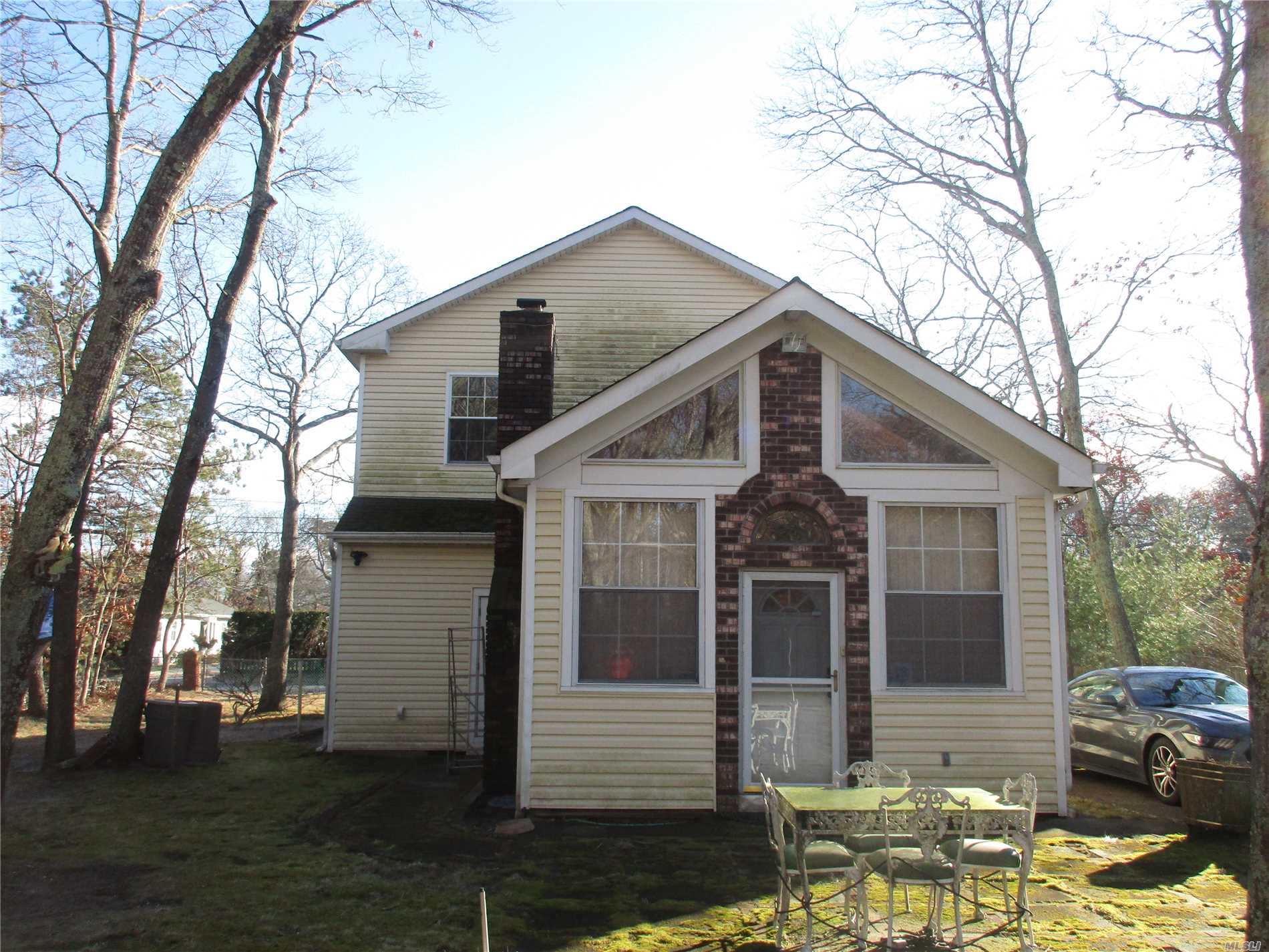Located On A Quiet Street, This Large 4 Br , 2 Bath, Has A Newly Renovated 2nd Floor With 2 Huge Brs, And 1 Bath. Lower Level Features 2Brs, Living Room, Kitchen, Bathroom, And Great Room With Wood Burning Stove. Large Back Yard With Room For A Pool. Moments From Bay Access.