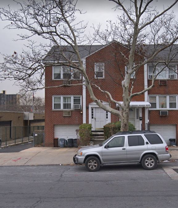 Lovely 3 Bedroom Apartment For Rent In Bayside Features Living Room, Dining Room, Eat In Kitchen W/ DW & 1.5 Bathrooms.Heat And Water Included. Plenty Of Closet Space. Ample Street Parking. Close To All Shops And Transportation !!