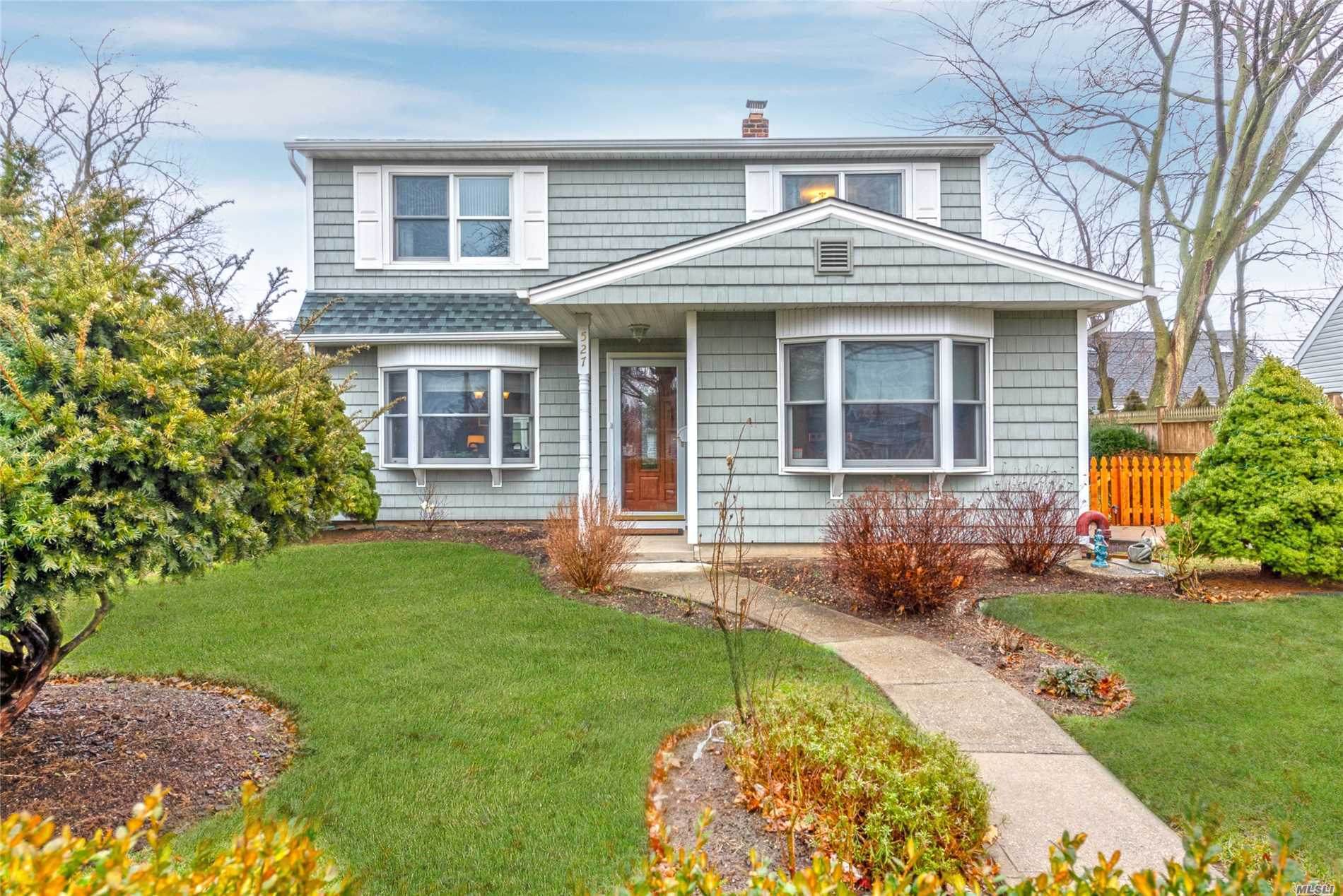 Fantastic 4 Bed, 1.5 Bath Colonial In Levittown For $449, 000. Boasting An Extended Eat In Kitchen W/ Granite Counters & Stainless Steel Appliances, Double Dormer, Updated Roof, Windows & Siding. Attention To Detail Throughout With Hardwood Floors, Crown Molding & Much More! A Rare Find In This Condition! Move Right In.