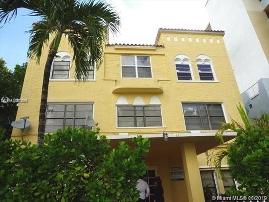 Freshly Repainted 2 Bed/1 Bath In North Miami Beach. Central A/C, Electric Stove, Queen Size Mattress. Furnished. Great Natural Lighting From Windows With View Of The Canal. Close To Shops And Minutes From The Beach. <Br />Currently Rented Till October 27Th 2019 For $1250/Month
