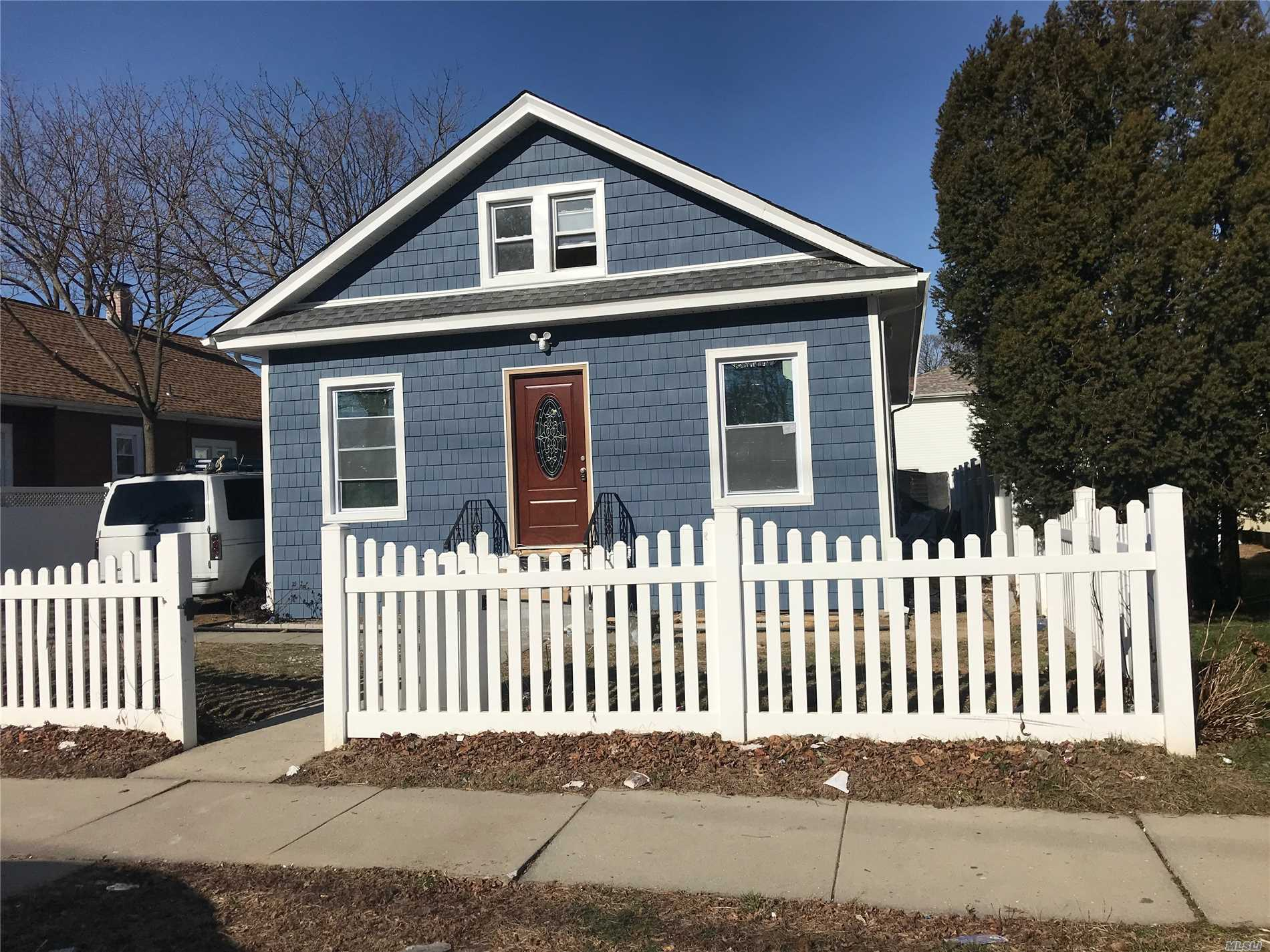 Lovely & Spacious 4 Bedroom 1 Bath Home With Fully Finished Basement, Spacious Driveway - Nice Layout. Must See.