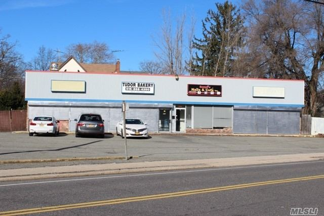 Nice 4 Unit Shopping Center With Ample Parking, All Units Approximately 750 Square Foot. Features Central Air, High Ceilings And Has Fantastic Rental Potential, Taxes Were Successfully Grieved, They Will Be Reduced By 4, 600 Starting October 2019