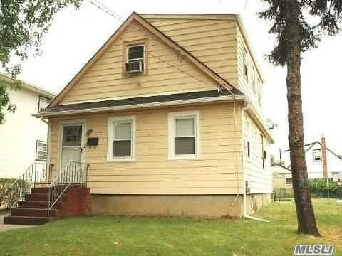 Huge Lot With Lots Of Potential. House Has No C Of O. See Attached .