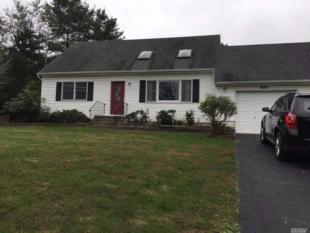 Perfect Location, Excellent Condition. Beautifully Decorated, Very Clean Home Offers Water View Living Rm, Dining Rm, Spacious Kitchen, 4 Bedrooms, 2 Full Baths.A Short Distance To Goldsmith's Inlet Beach, Wineries And Farms.