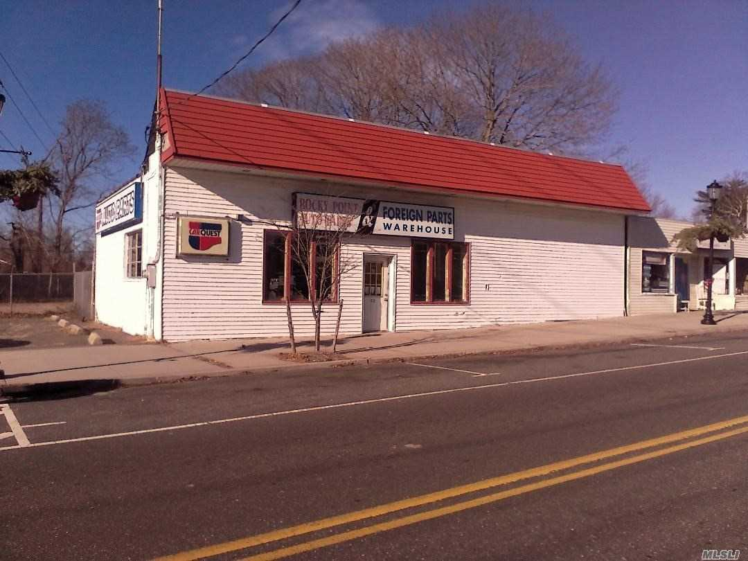 Rocky Point Business Area. Fast Growing Surroundings. Great For Your Business Or Investment. Bldg1 Approx. 3500 Sq Ft Bldg2 Approx. 1032 Sq Ft.