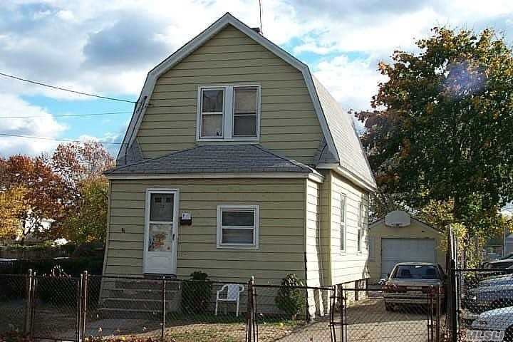 3 Bed 1 Bath Colonial Low Taxes Centrally Located Large Yard