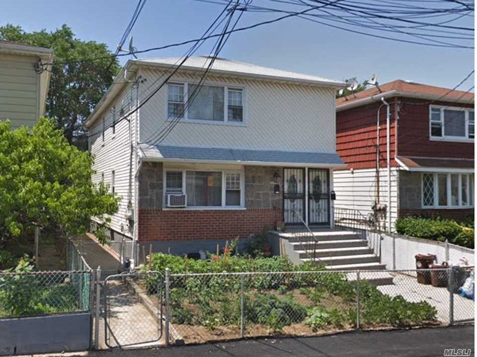 2 Family House, Each Apartment 3 Bedrooms, 2 Full Baths, Lr & Dr, Kitchen. Full Finished Basement With Separate Entrance. Close To: Bus Stop, Laundry Mats, Lirr, Green Acres Mall, Belt Pkwy, Jfk And More.