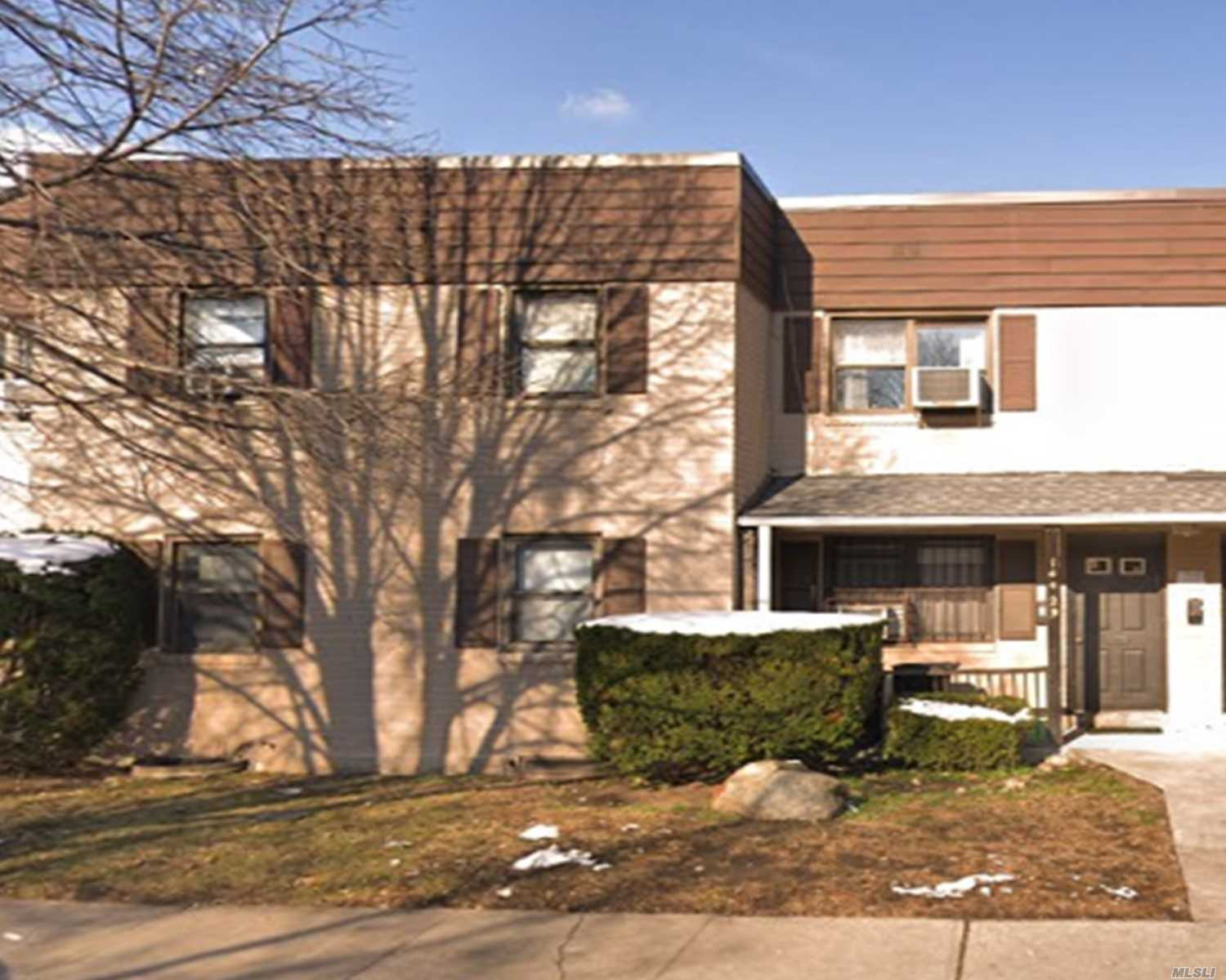 Lovely 2 Bedrooms, 1 Full Bath Co-Op In The Heart Of Kew Garden Hills. Steps To Shopping, Transportation And Houses Of Worship. Low Maintenance- Investor Friendly!!