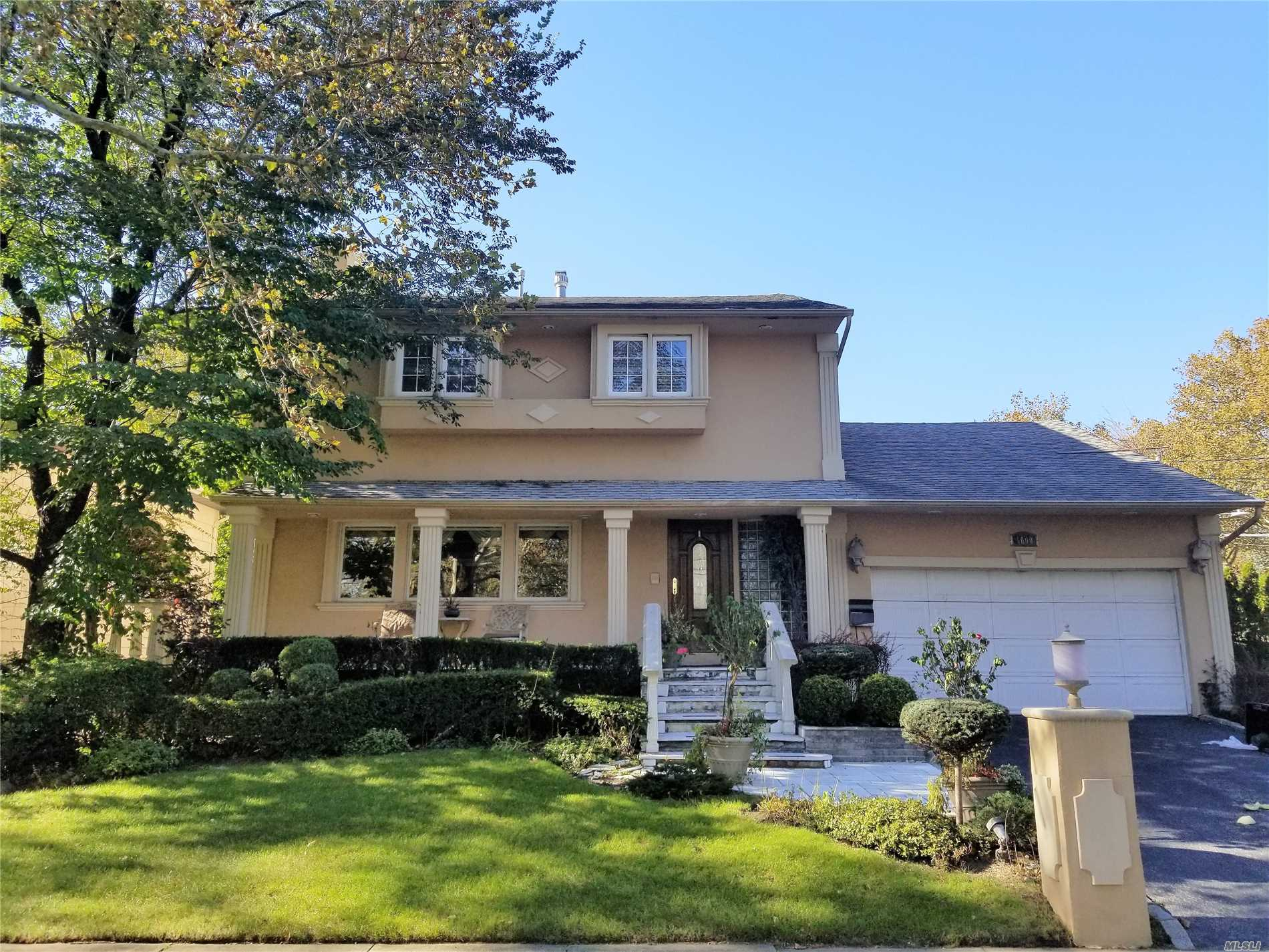 Opportunity Is Knocking! This 1 Family Detached, Colonial Features A Full Finished Basement, 4 Bedrooms, 3 Full Baths, A 2 Car Attached Garage, An In-Ground Pool & More. Property Sits On A Nicely Sized 81X113 Lot. It's Conveniently Located Near Schools, Places Of Worship, Restaurants & Shopping Areas Etc. Don't Miss This One!