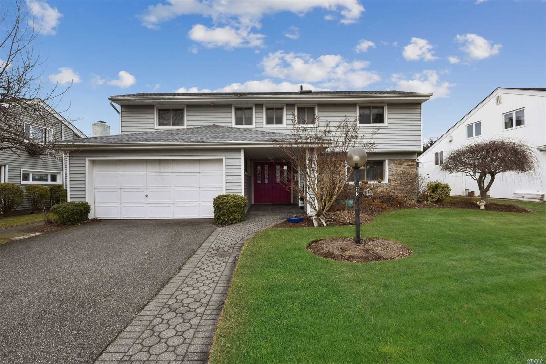 Perfect Location Is The Setting For This Wonderful Spacious Morton Split- Updates All Through This Home (Kitchen, Baths, Roof, Heating, Electric, Siding, Fencing And Pavers)Fireplace, Skylights, Vaulted Ceilings, Main Level Laundry , Walls Of Glass And So Much More Taxes Being Grieved