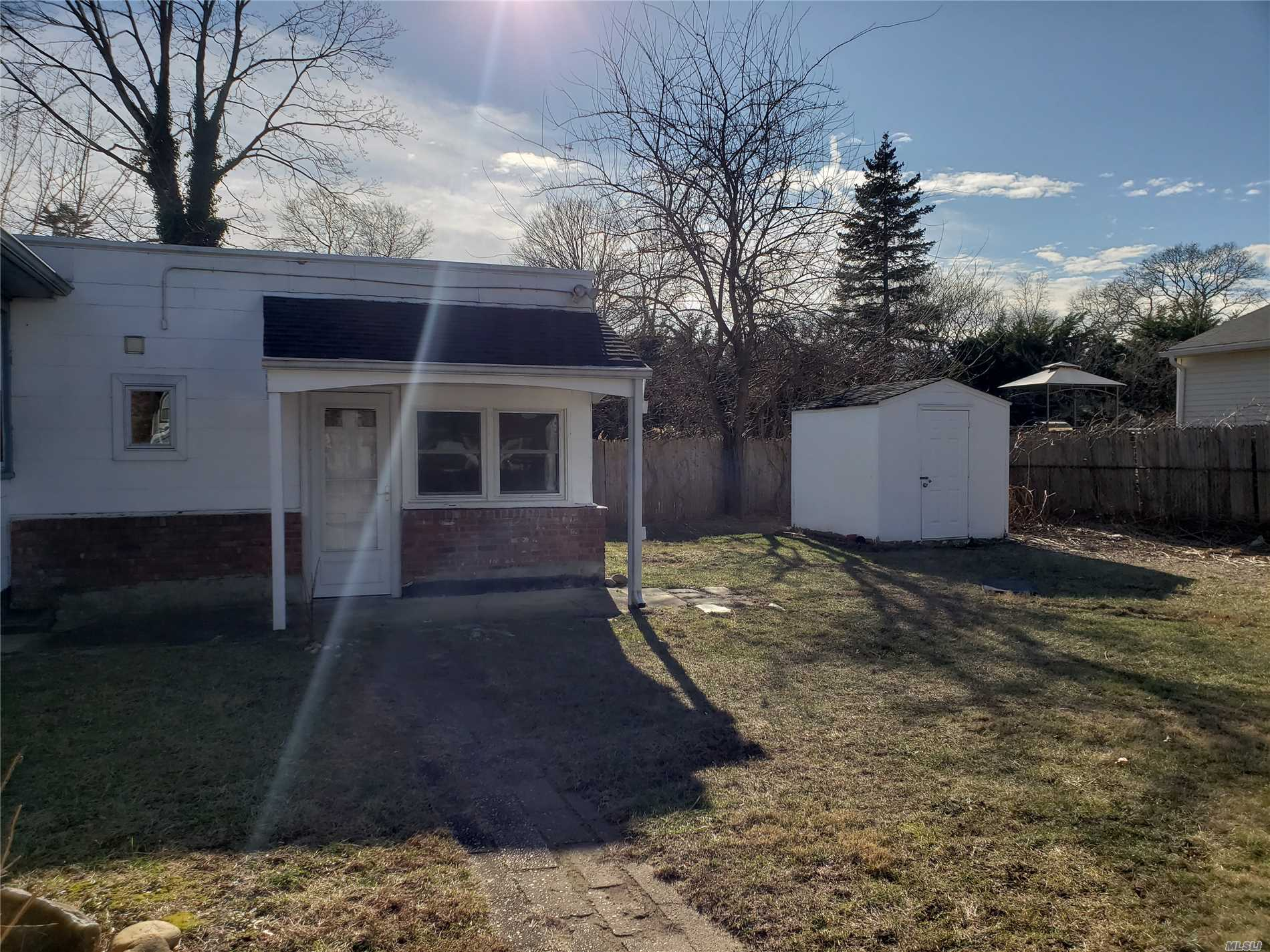 Landlord Pays For Water And Landscaping. Tenant Pays Electric And Gas. Tenant Takes Care Of Snow Removal.Cats Are Allowed. There Is A Deposit Of Cats. There Is A Driveway For Parking. 2 Bedrooms, Full Bath, Eat In Kitchen Wiith A Living Room.