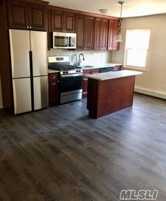 Totally Renovated Junior 1 Bedroom. A Must See. Open Floor Plan. Easy Access To Roadways, Close To Hospitals. Schools And Shopping. Be In For Summer And Swim In The Updated Pool.