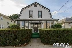 Sunny 1 Bedroom Apt On 2nd For Of A Legal 2 Family Home. 5 Mins To Lirr, Buses, Near To Shops, Restaurants, Laundry Etc. Apt Is Fios Ready.