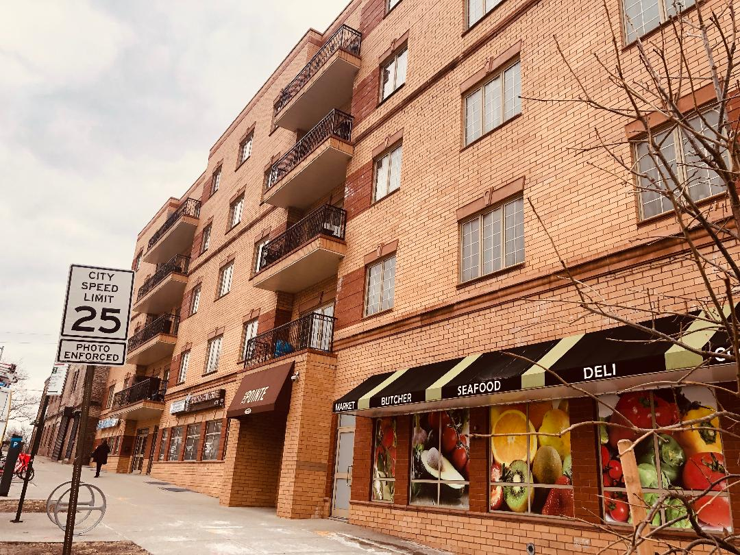 : 	Experience the best of downtown Staten Island, this luxurious 2b condo at prestigious The Pointe building is still tax abated.Ample and well distributed, it features a master bedroom with a generous walk in closet and private bathroom with jacuzzi, a private balcony facing west. Spacious L shaped Living room/dinning room, open concept kitchen with ss appliances; second bedroom and second full bathroom along with a laundry area add to the exceptional living space of this singular property. Other features are 24 hours doorman, shared terrace facing east with great views, private parking, easy access to SI Ferry and other transportation; fancy restaurants and shopping areas nearby.
