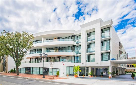 Great Neck. Great Neck's Newest Luxury Doorman Rental Building, In Top Central Location Built W/The Finest Of Finishes. Be The 1st To Live In This Magnificent Building With Roof Deck, Washer/Dryer In Unit, Garage Parking, Fitness Center And More!