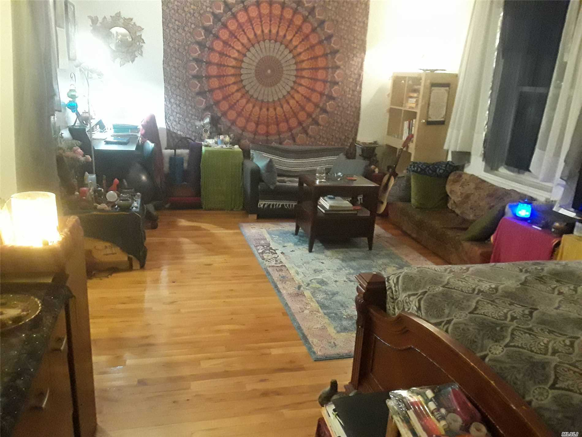 Nice, Big Studio With Separate Windowed Kitchen And Windowed Bathroom In The Heart Of Rego Park. All Incl, Exept Electricity. 1 Block To 63 Dr M, R Trains. No Pets.