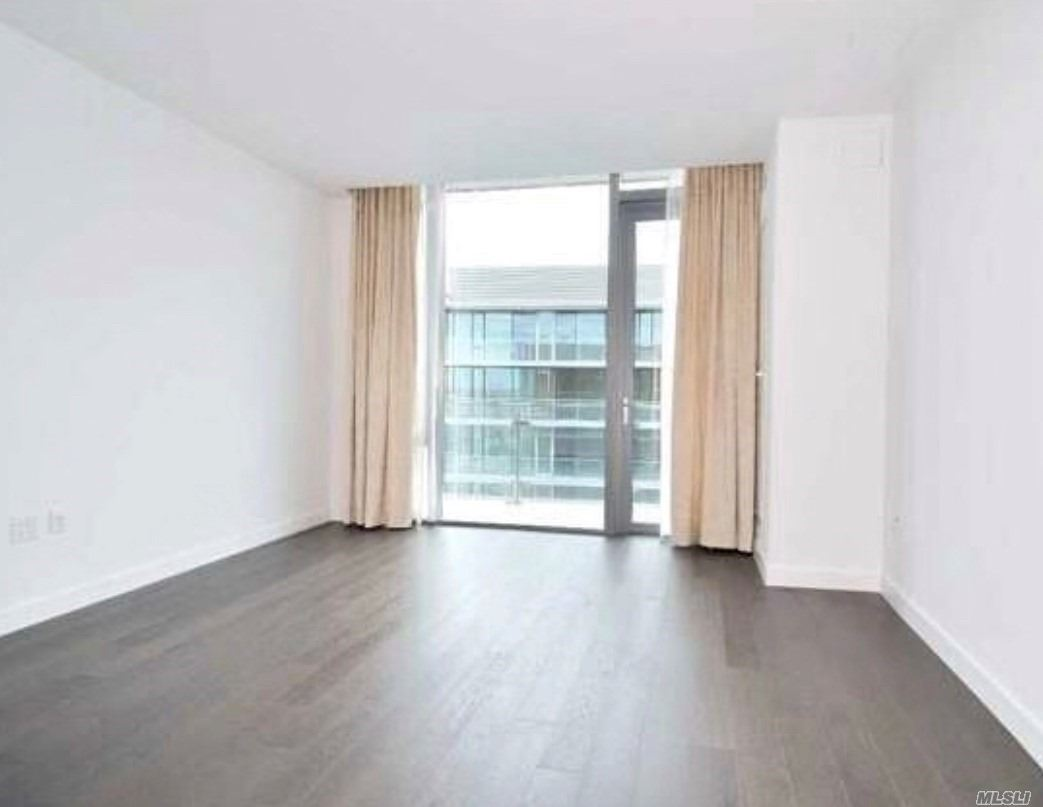 Luxury Studio In The Center Of Flushing (Grand One) With Pool, Gym, Tennis Court And Basketball. 24 Hours Doorman Closed To Transportation And Shops.