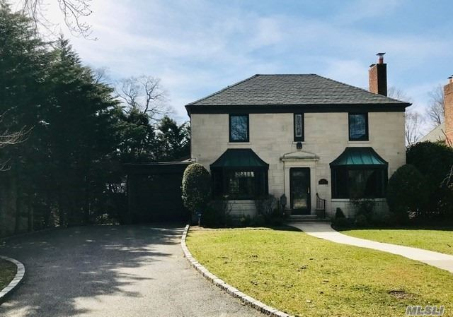 Beautiful, Updated & Pristine Colonial On Dead End Street In North Strathmore. New Roof, Many Upgrades, Huge Open Eik/Family Rm W/Island, 2 Fireplaces, Main Flr Laundry, Mud Room. Close To All. Minimum 2 Year Lease.