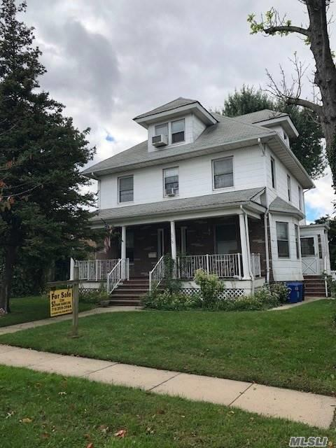 2-Family On 2-Lots, Total 75X100, 2-Car Garage. 1-Block Walk To Bowne Park. 2-Blocks To Northern Blvd. 5-Minute Bus Ride To Main Street 7-Train. Plenty Of Room To Expand