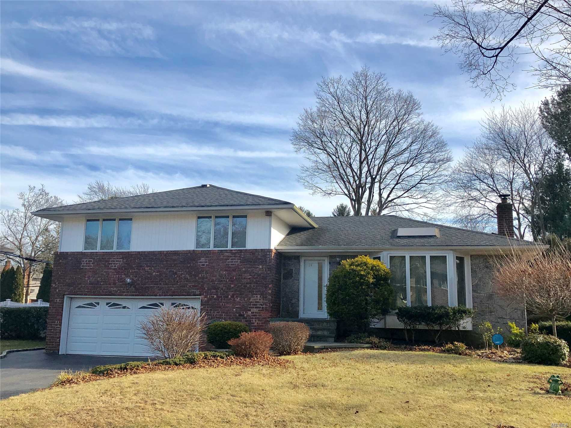 Knickerbocker Split With Great Curb Appeal. Large Lr, Kit, Dr, Master Bedroom W/ Master Bath And Wic, 2 Bedrooms, Full Bath, Family Rm With Sliders To Back Yard And Entrance To 2.5 Garage, Half Bath, Partial Basement. Private Backyard With Deck. Owner Will Require 2 Months Security With A Dog.