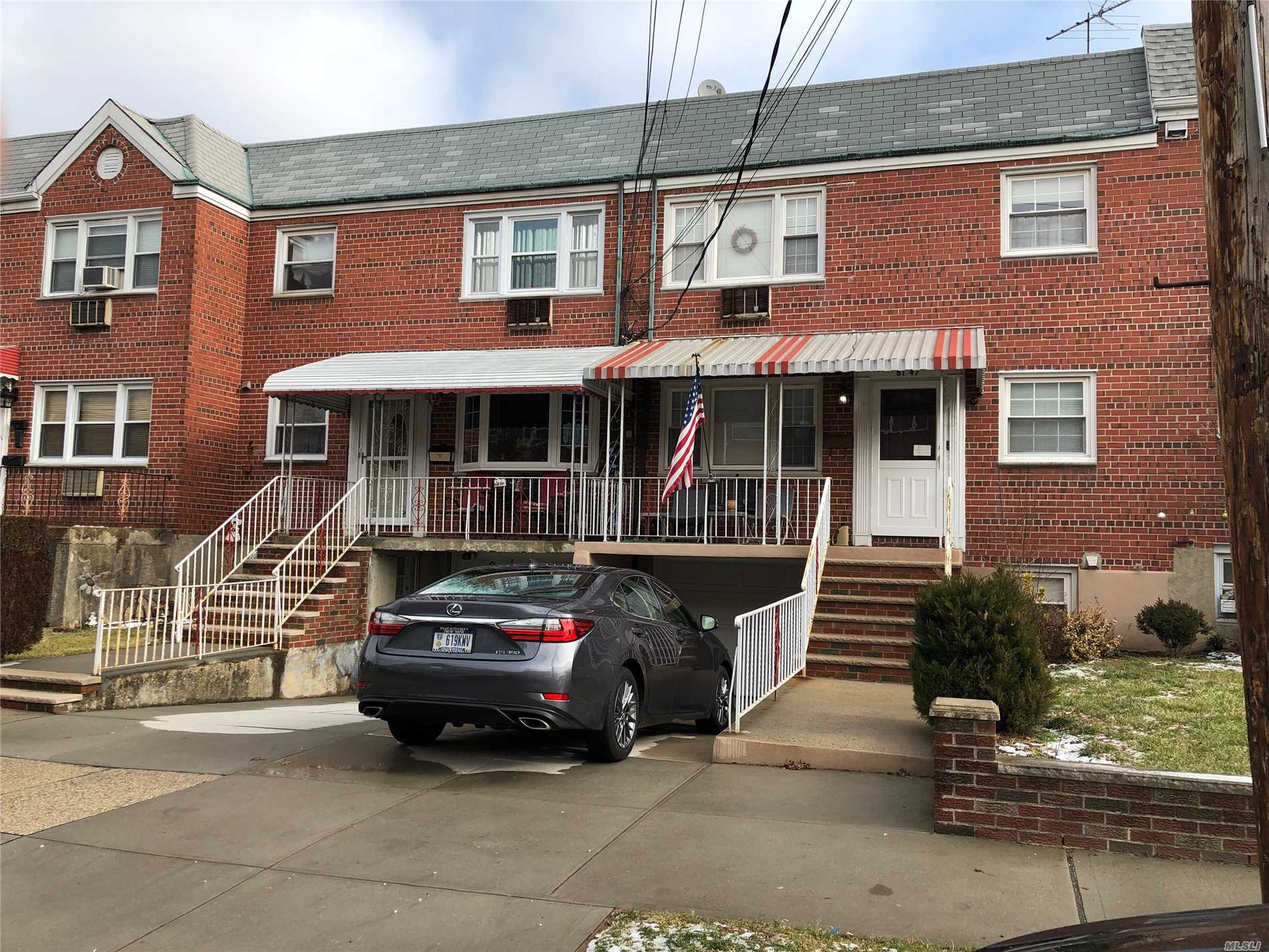 Spacious Updated 2 Bedrooms Apartment, Walk In Closets, Fdr, Eik, Large Lr, All Utilities And Cable Included, Close To Shopping And Transportation.