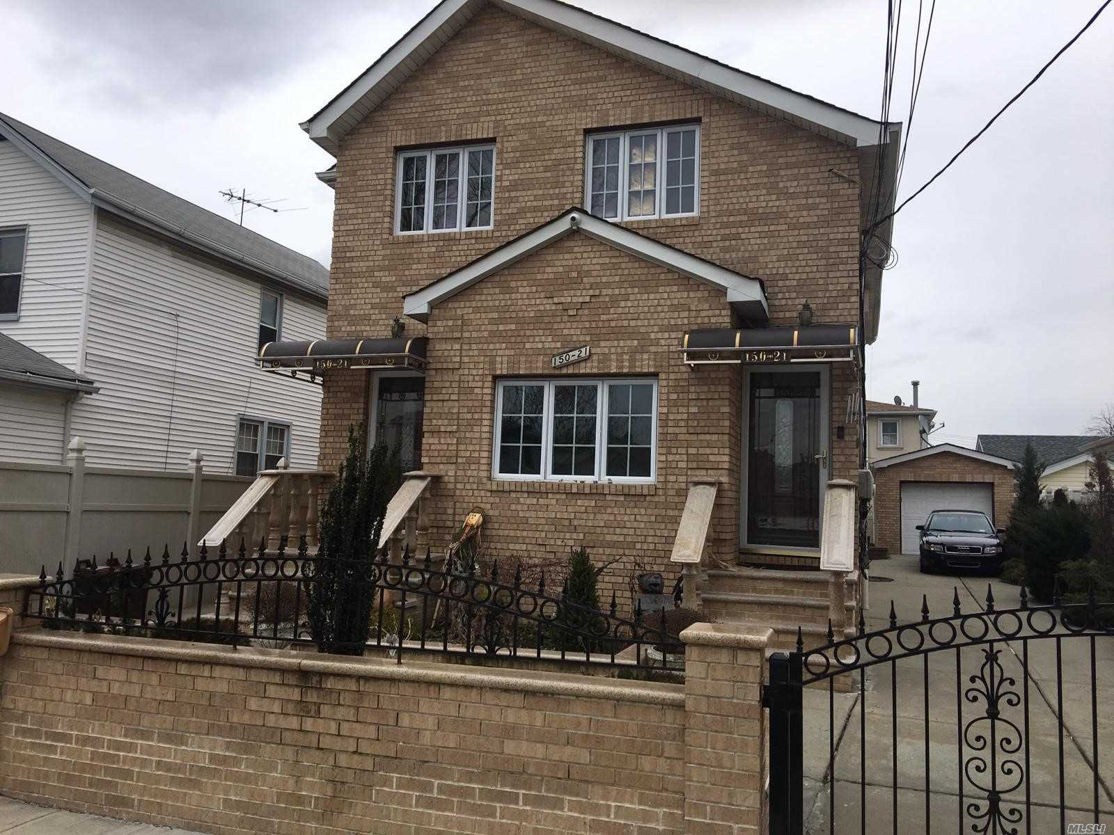 Attention Jfk Workers!!!! Here Is The Home For You!!! Right Behind Jfk Airport!!! Wooden Floors, Brick House!!! Credit And Income Verification A Must!