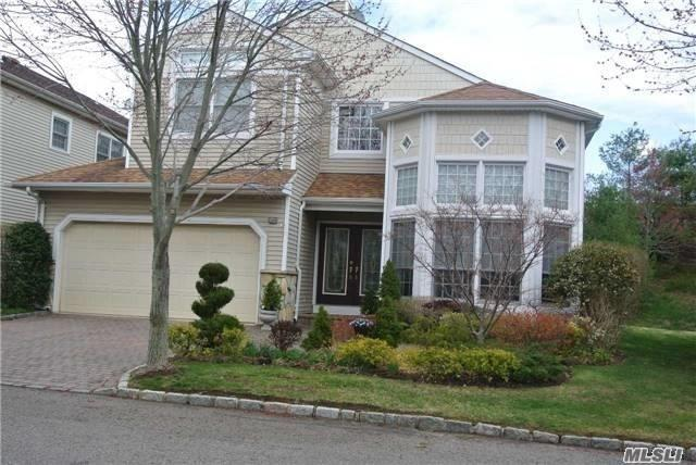 Hamlet Luxury Country Club Lifestyle Gated Community, Fabulous Ashford Detached Sagamore Home. Master Suite On Main Level (No Steps) Custom Eik W/ Granite Extended Vaulted Ceilings. Paver Driveway, Oversized Private Property W/Paver Patio. Clubhouse W/Restaurant Spa Gym Tennis Playground Cardrooms, Teen Room.