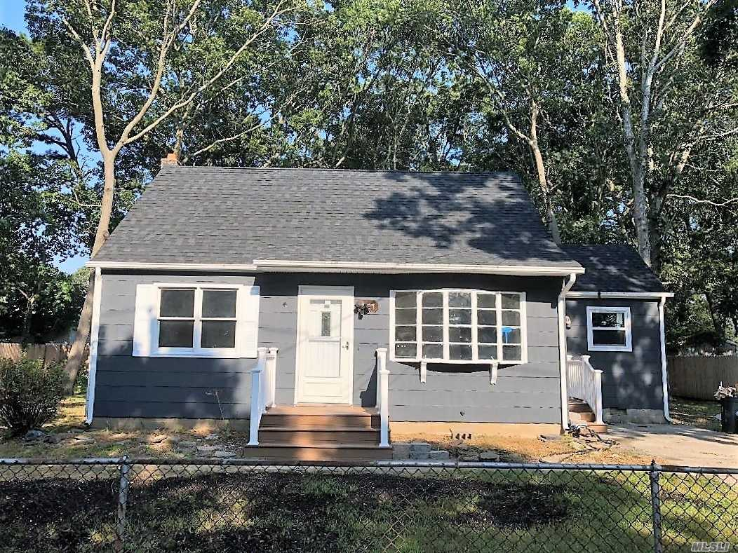 Beautiful, Completely Renovated. Brand New Kitchen And Bath. Kitchen With Stainless Steel Appliances And Granite. .Large Fenced In Yard And Private Driveway